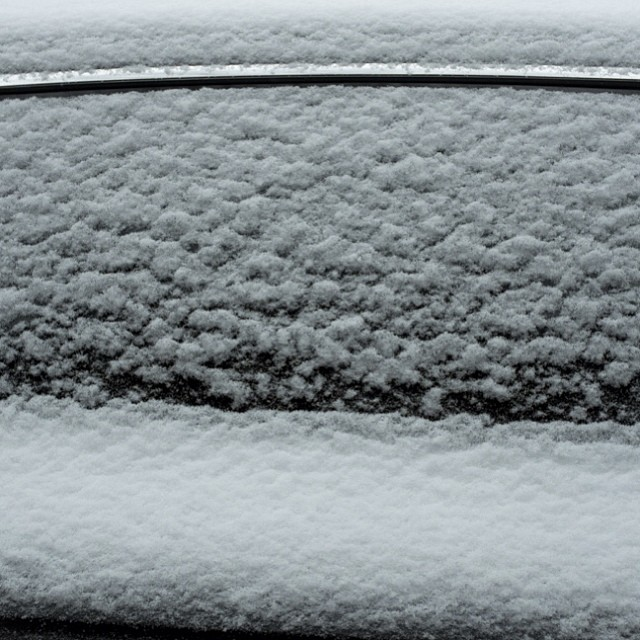 A fresh dusting of snow. One block, one day, fourteen cars. Stay tuned for more.#snow #dusting #car #nyc #joefornabaio #joefornabaiotookthispicture