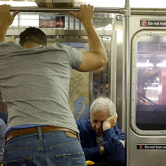 Morning commute.#morningcommute #leanin #subway #nycsubway #nyc #sleep #reportage #sleep #joefornabaio