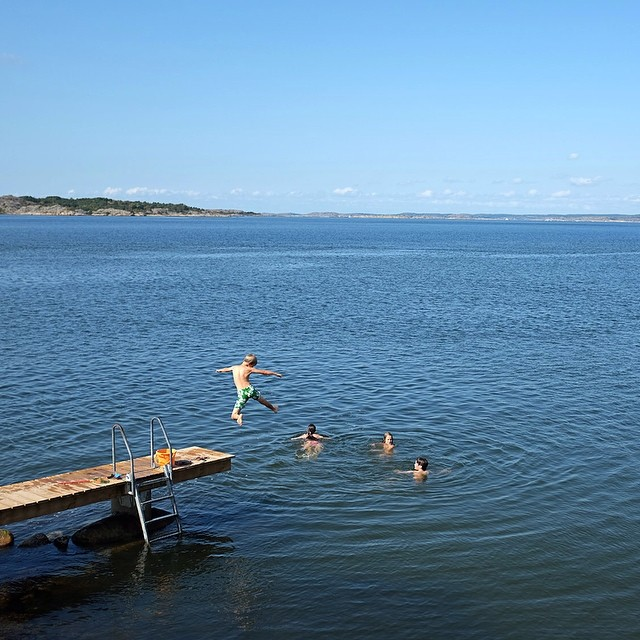 Friends' kids taking advantage of the great Swedish summer in Hästevik.#sweden #swedishsummer #kids #Hästevik #ocean #jump #vacation #joefornabaio