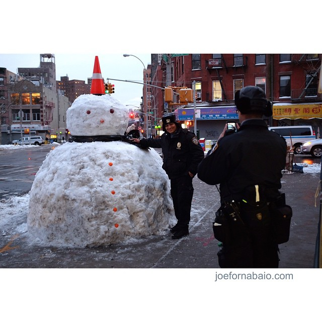 Admit it, you like the big guy. Evening commute.#snowman #joefornabaio #lowereastside #nyc #cops #police #nypd #eveningcommute #frosty #snow #juno #whathashtagsamimissing