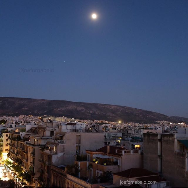 Until next time Athens. #athens #joefornabaio #vacation #moon #greece