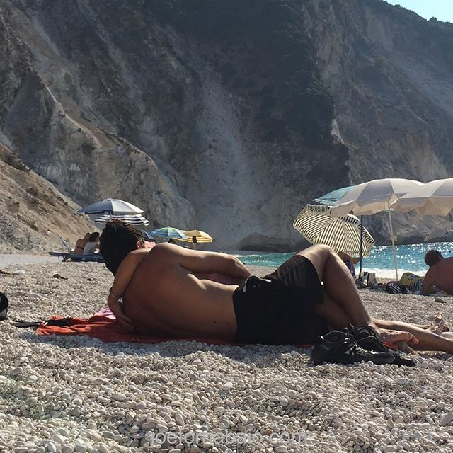 Myrtos is for lovers.#myrtosbeach #joefornabaio #vacation #kefalonia #beach #lovers #beachblanketbingo
