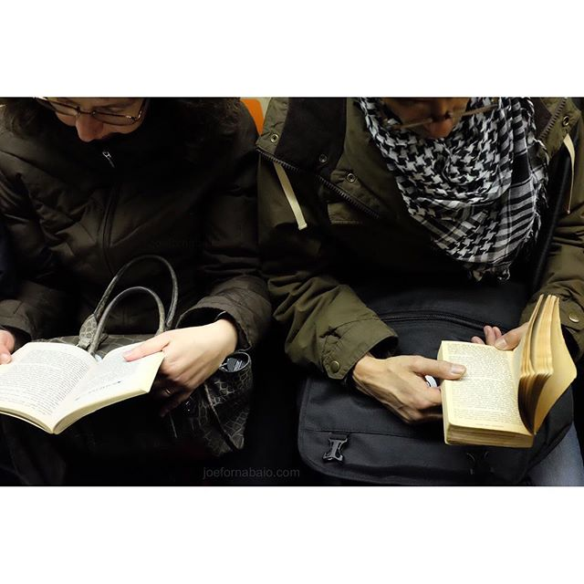 Real books...made of paper...in public...on da subway. Go figure.#books #nyc #joefornabaio #reading #readingisfundamental #eveningcommute #subway